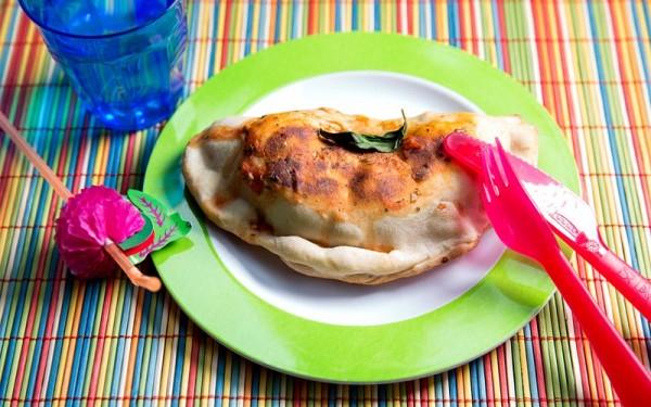 WirLiebenBigGreenEgg_Pizza_Calzone1