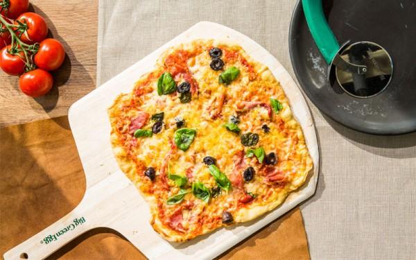 WirLiebenBigGreenEgg_Pizza_Prosciutto1